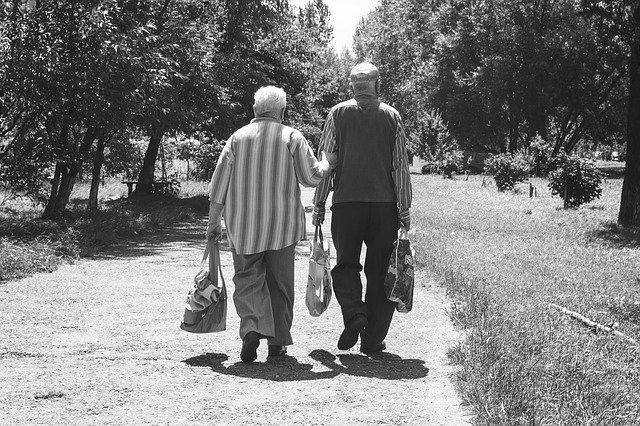 Vreti sa va pensionati la 70 ani? 10 factori obligatorii pentru aceasta masura