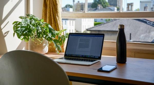 Telemunca. Cum se va stabili durata timpului de lucru la sediul angajatorului?
