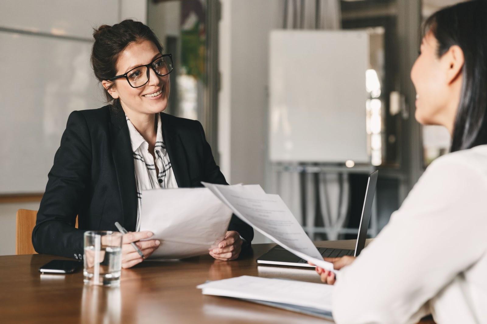 Aspectele importante de care sa tii cont inainte sa aplici pentru un job