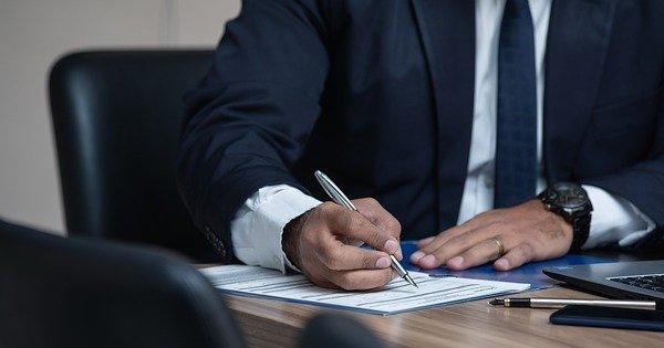 Transfer salariati intre societati. Ce documente sunt necesare?