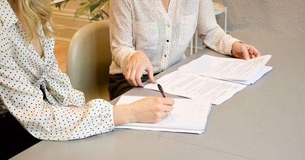 Atentie la capcanele nevazute din procedurile obisnuite din HR! 10 proceduri esentiale