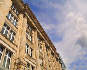 Premiera in Romania: angajatorul obligat la plata daunelor pentru hartuirea morala la locul de munca
