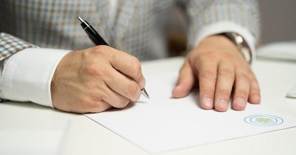 Numirea in functie de manager societate pe perioada limitata. Se suspenda contractul de munca?
