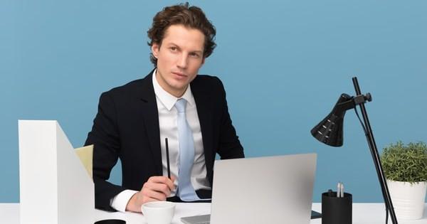 Modelul Kurzarbeit. Efectele reducerii programului de munca asupra salariului unui angajat roman